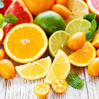 透明感のあるみずみずしい素肌へ バランス良く配合したビタミンがお肌の輝きを保ちます